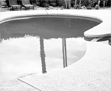 Garrouste - Votre-projet - prestation piscine noir et blanc
